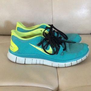 Nike green teal tennis running shoes sneakers